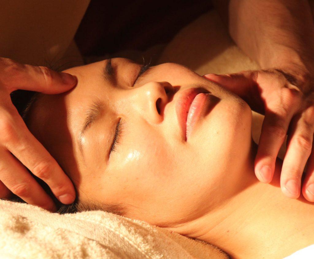 Hikari Center Como curar el dolor de espalda columna dolor de cuello lumbalgia ciatica contractura muscular